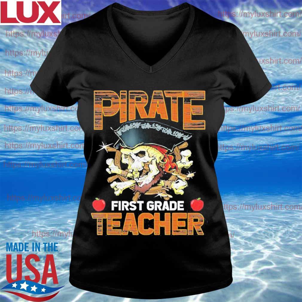 Pirate First Grade Teacher Funny Halloween s V-neck