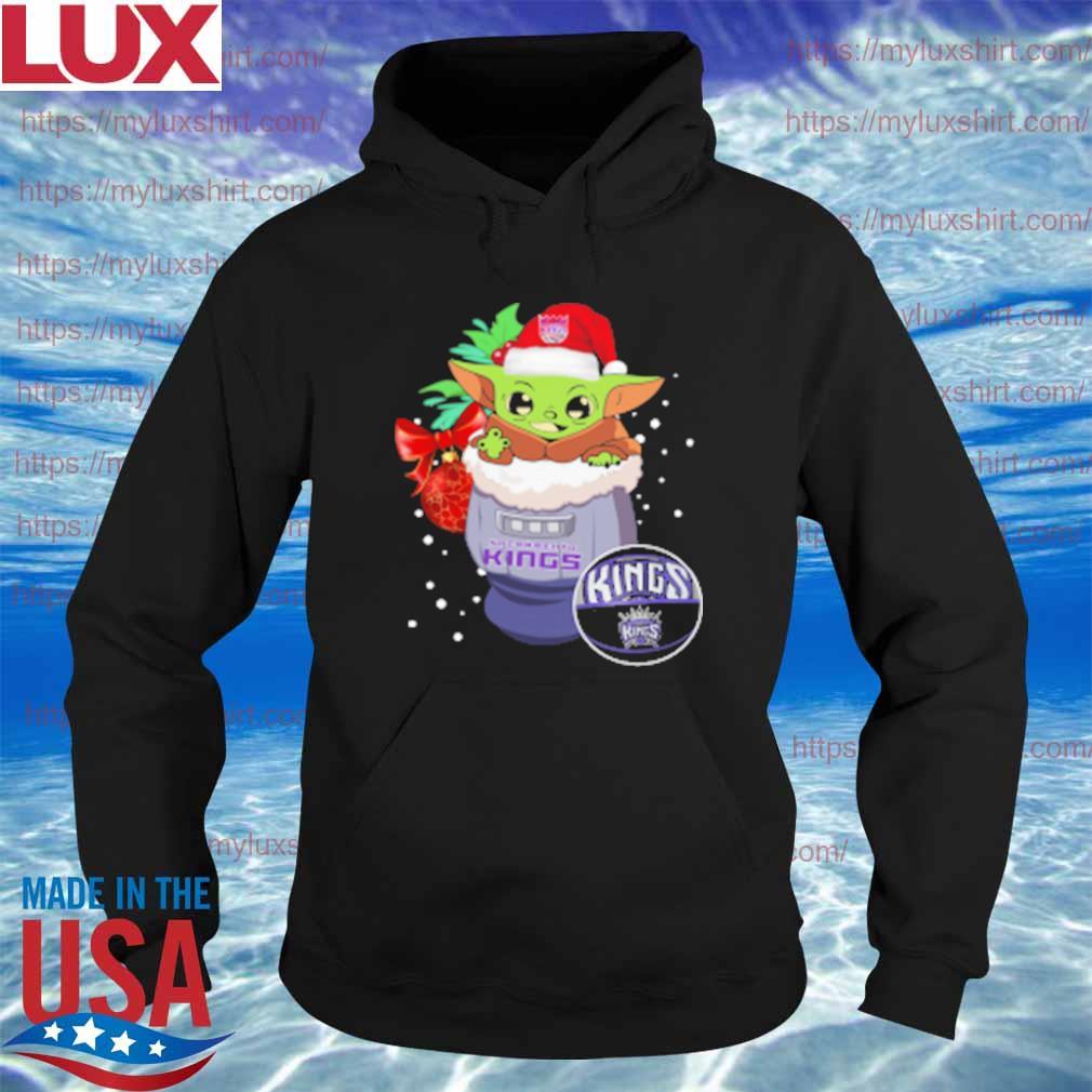 Sacramento Kings Christmas Baby Yoda Star Wars Funny Happy NBA T-Shirt Hoodie